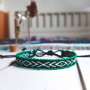 Jewelry - ✧3/$12✧ Green & White Boho Woven Bracelet